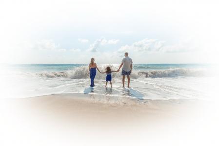 famille-face-à-l-océan, plénitude, harmonie
